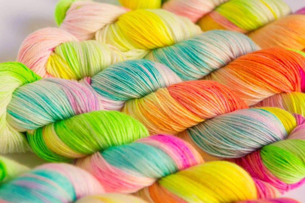 Image of Nube Fingering - Magic Candy