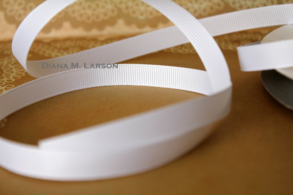 Image of White grosgrain ribbon