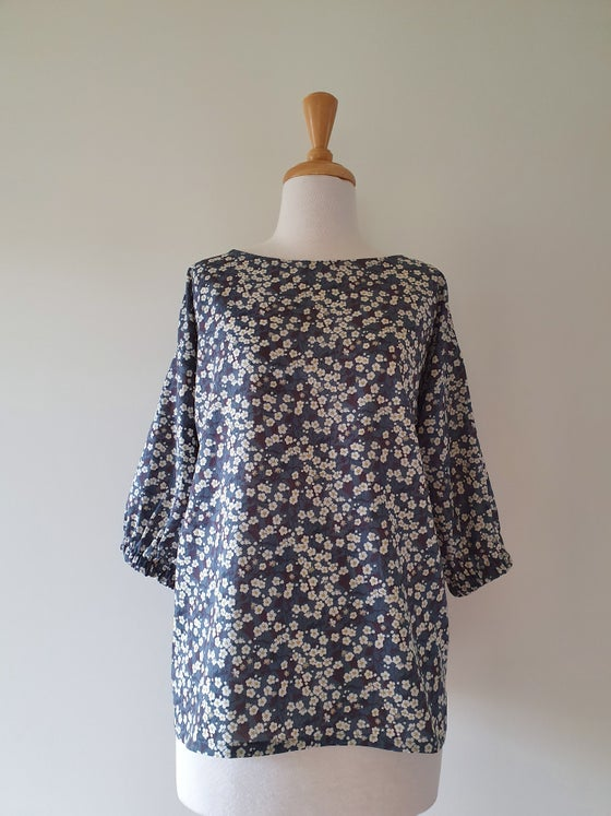 Image of 3/4 sleeve box top - Liberty charcoal floral - last three