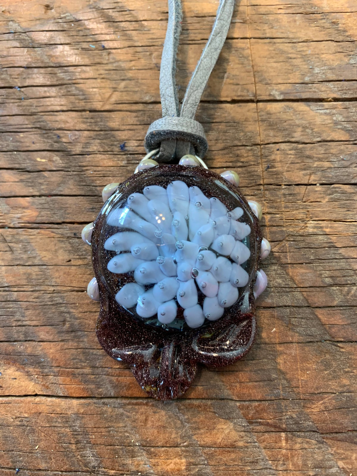 "Image of ""Stealie"" Pendant Gray"