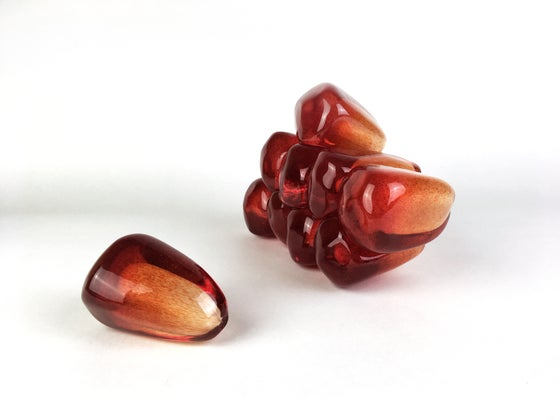 Image of Medium Pomegranate Seed Cluster