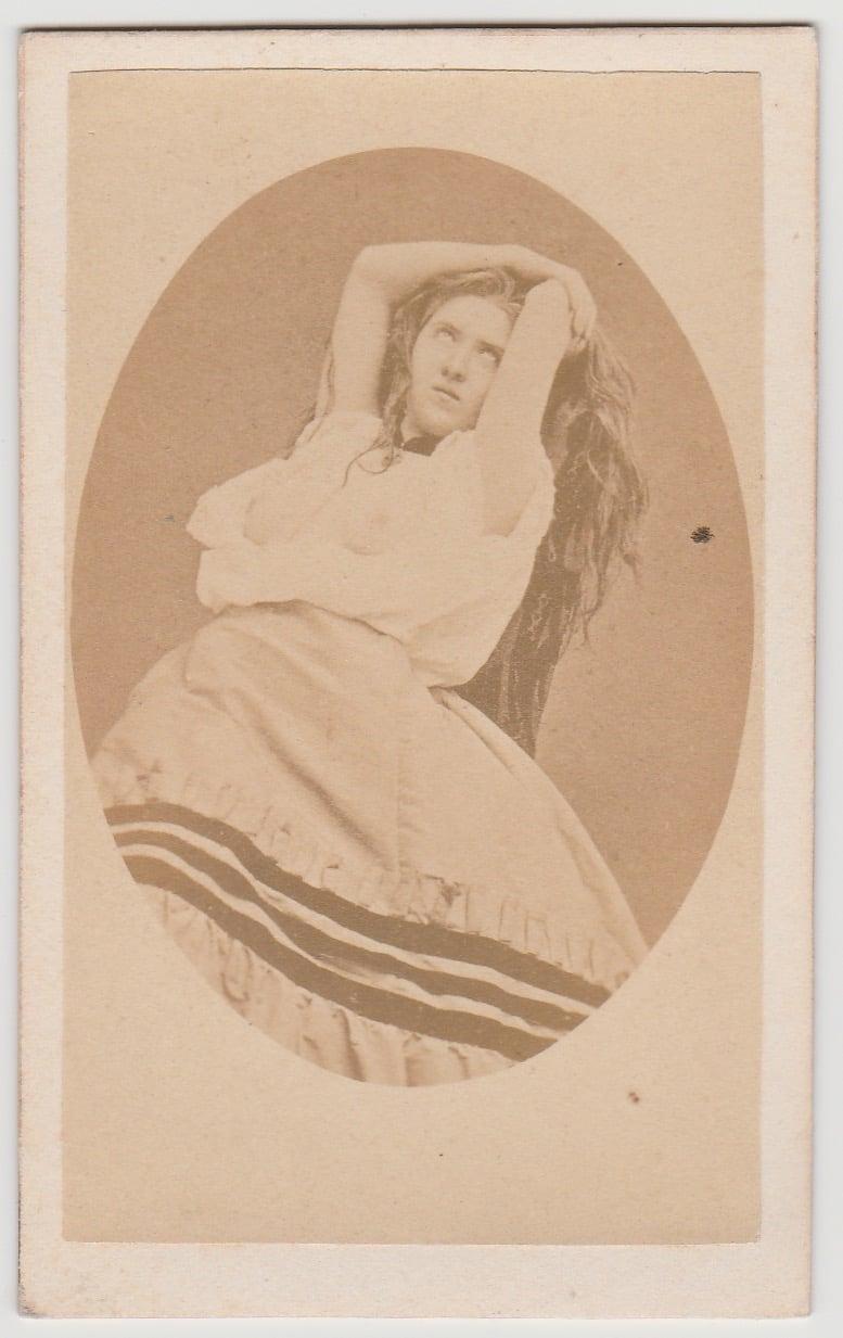 Image of CdV: a semi-nude woman in ecstasy, Cocodette ca. 1865