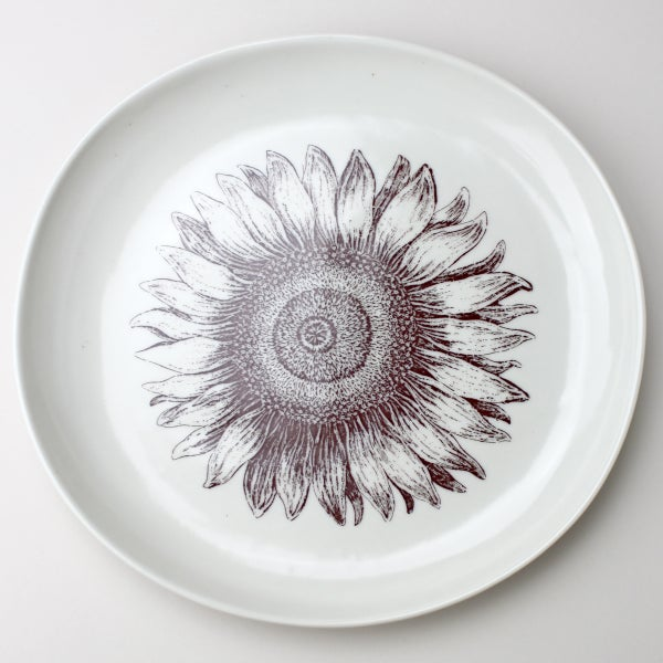 Image of serving platter, in ivory, with sunflower
