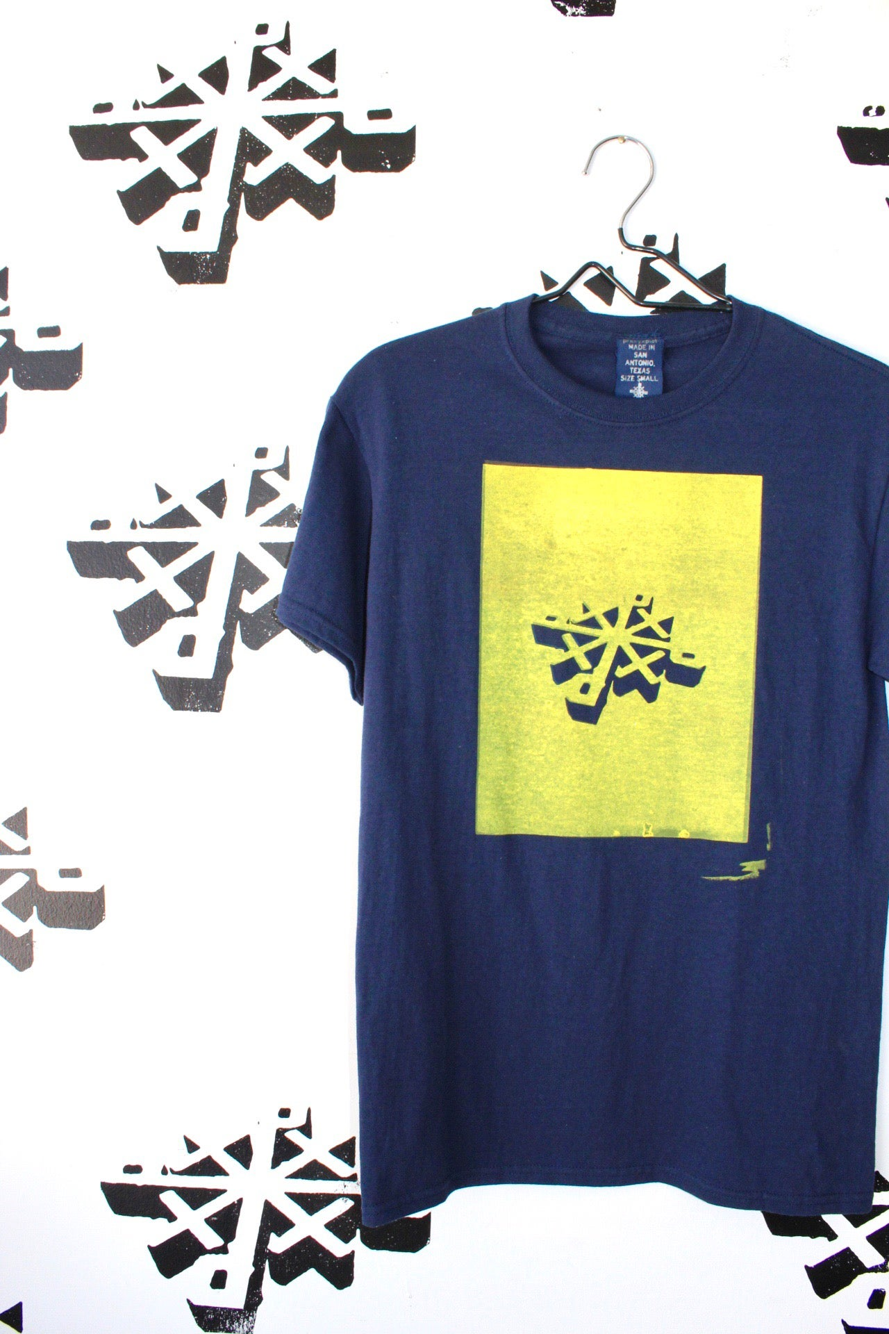 Image of get in there tee in navy blue