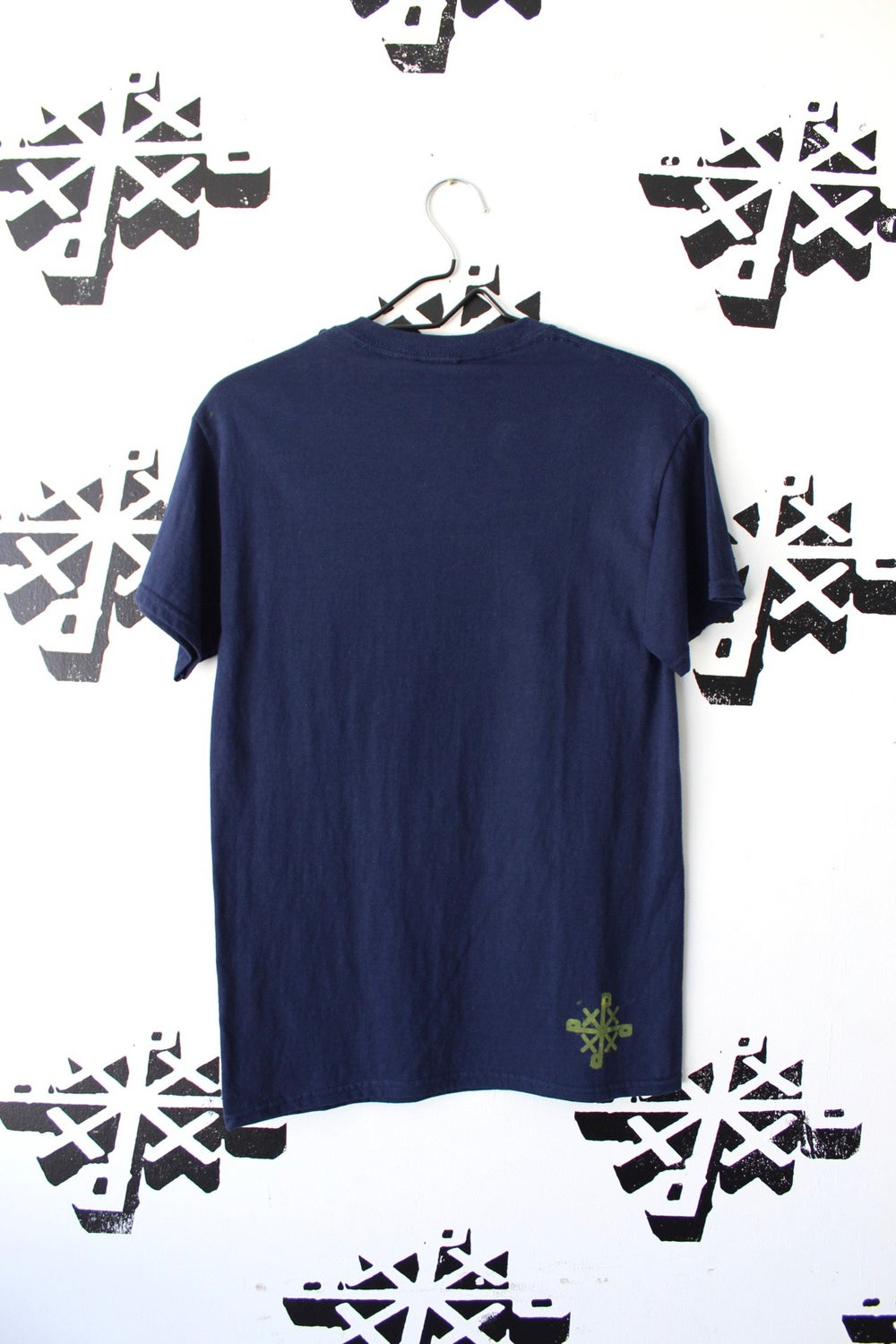 get in there tee in navy blue