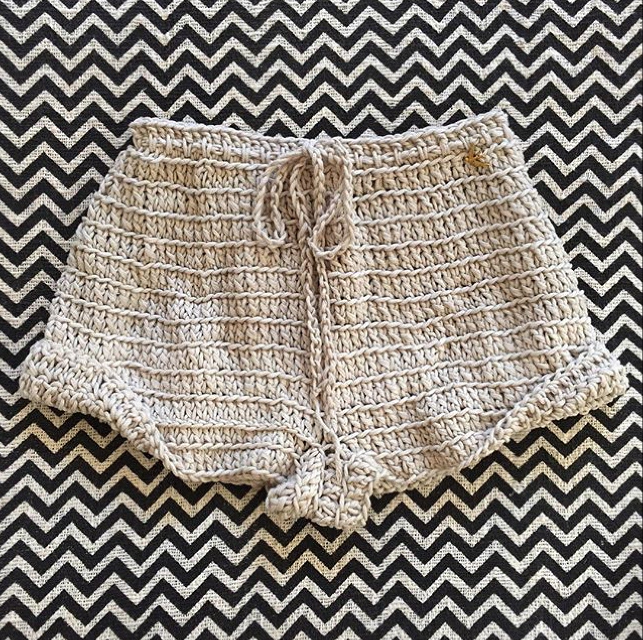 Image of ARIA SLOUCH SHORT