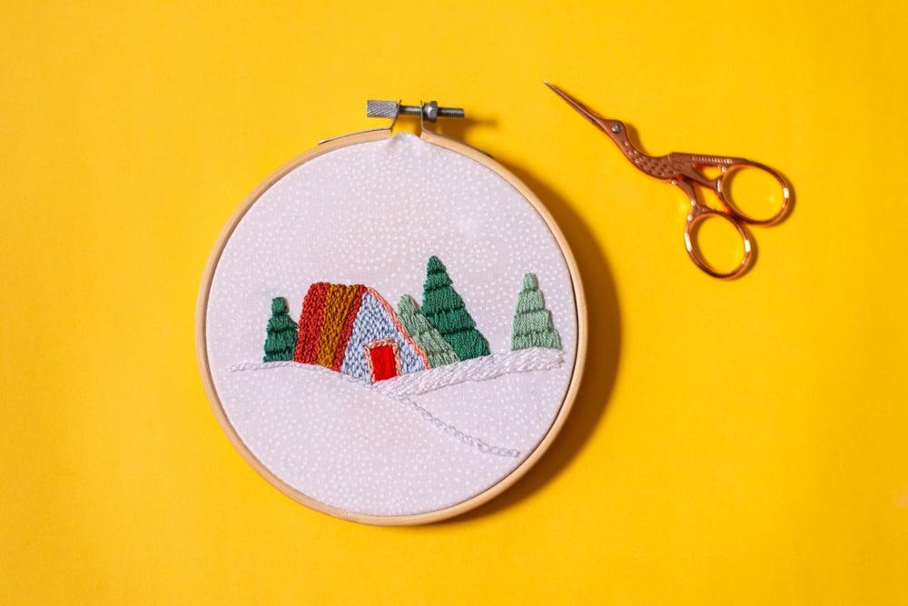 """Image of Bordado """"Casa de invierno"""""""