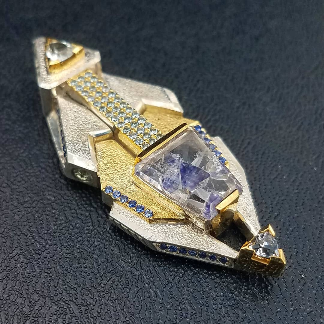 Image of Flourite included quartz