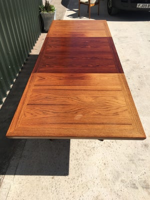 Rosewood dining table by Skovby of Denmark