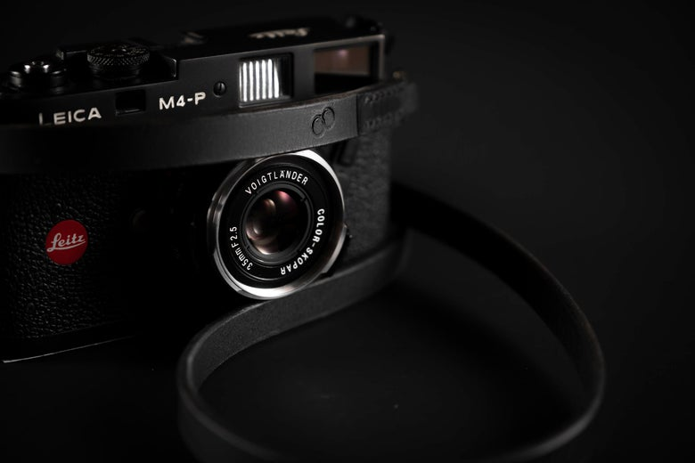 Image of Leather camera strap / Black Story