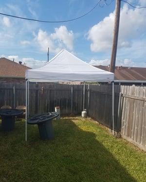 10 × 10 pop up tent