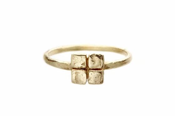 Image of Square gold ring. 18k. Grey goat