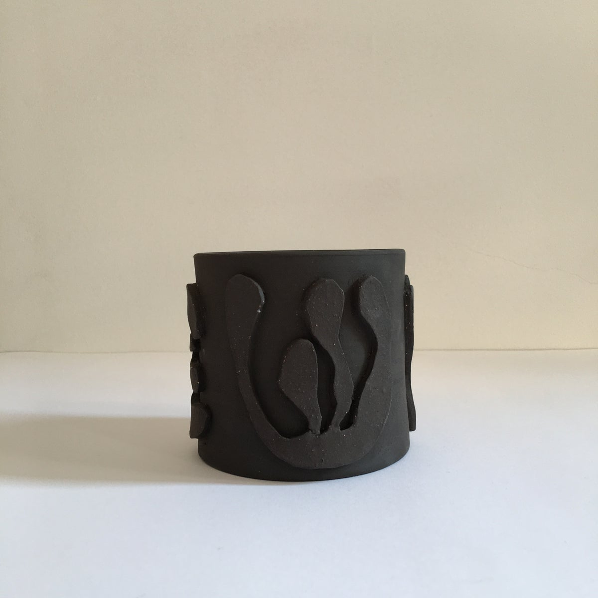 Small Dark Plant Pot