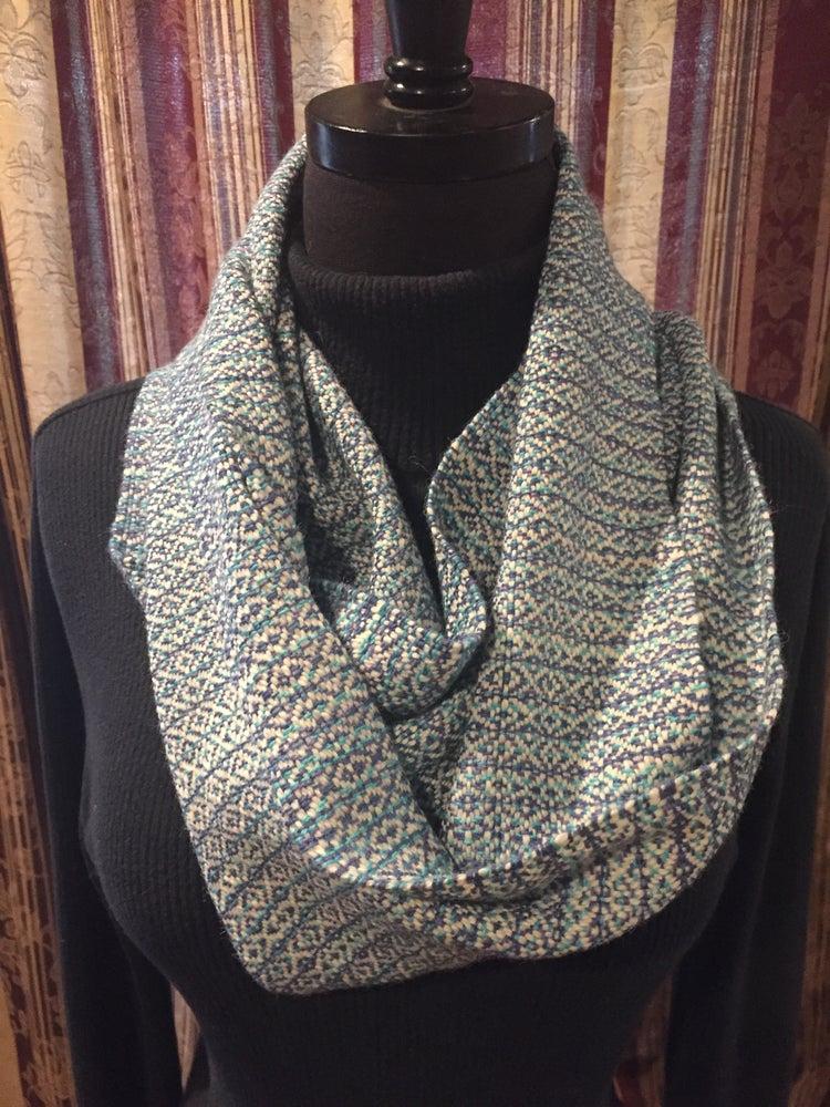 Image of Hand woven Alpaca/Cotton blend Cowl. (Item # 21007)