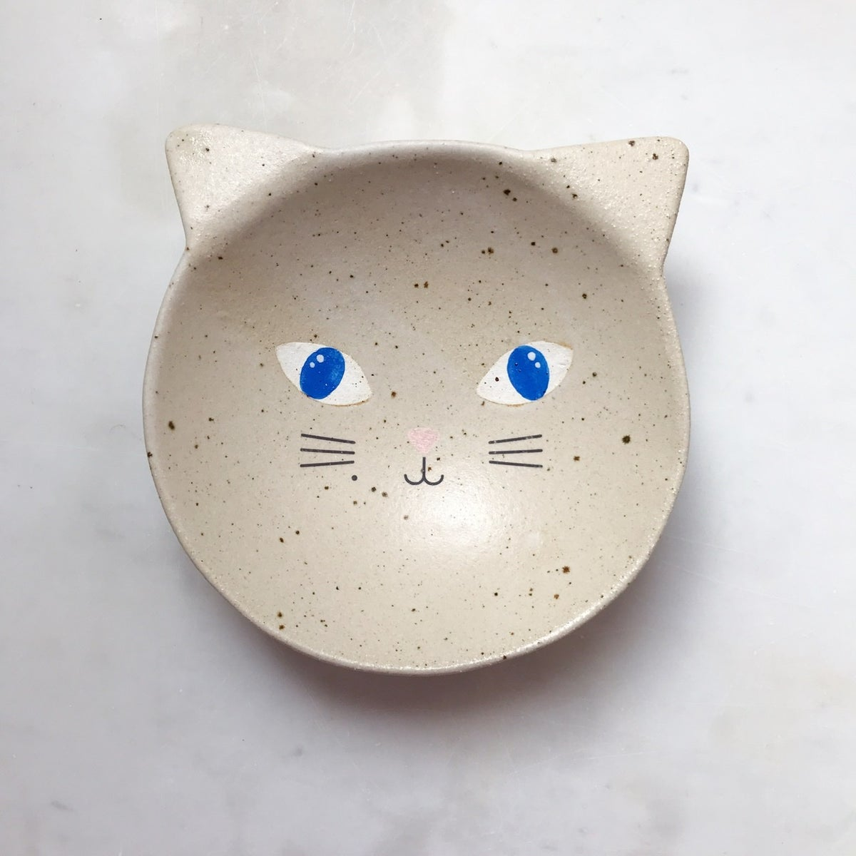 Image of Cat with blue eyes - medium bowl