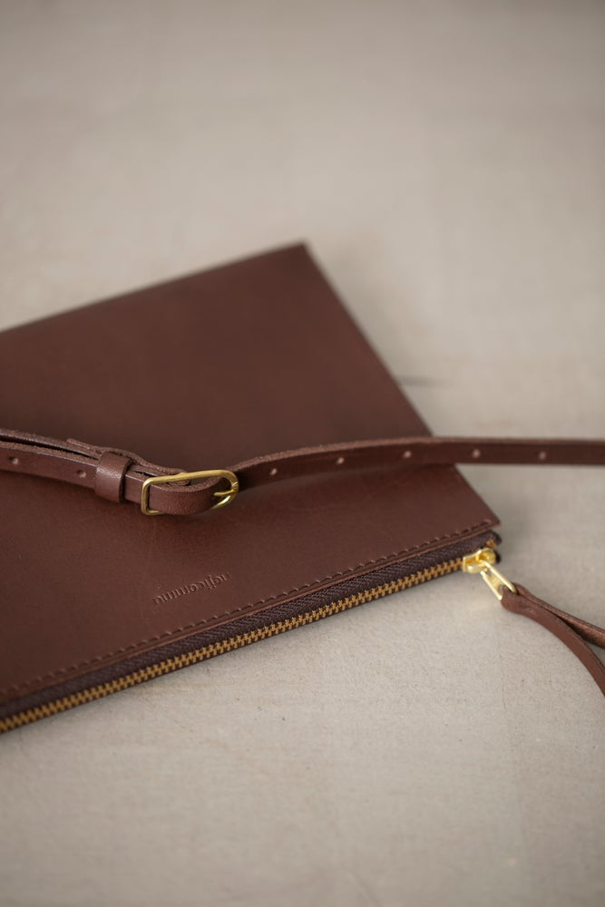 Image of Chocolate leather shoulder clutch by Nejicommu