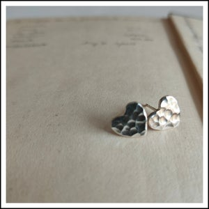 Image of Hammered heart studs