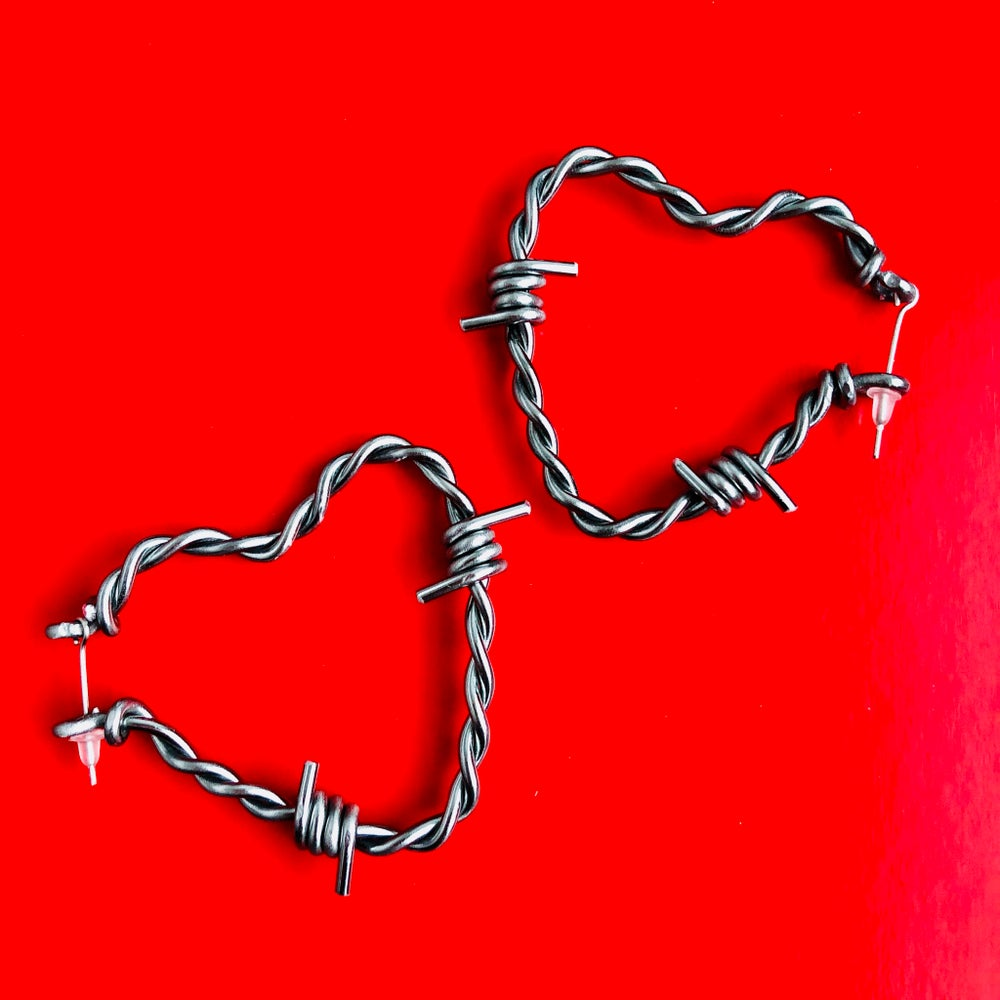 Image of SMALL HEART BARBED WIRE HOOP EARRINGS