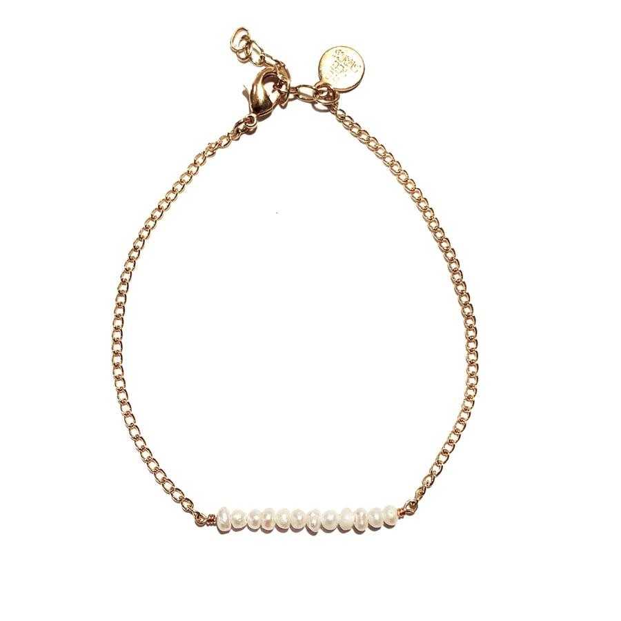 Image of Tiny Pearls Beaded Bracelet