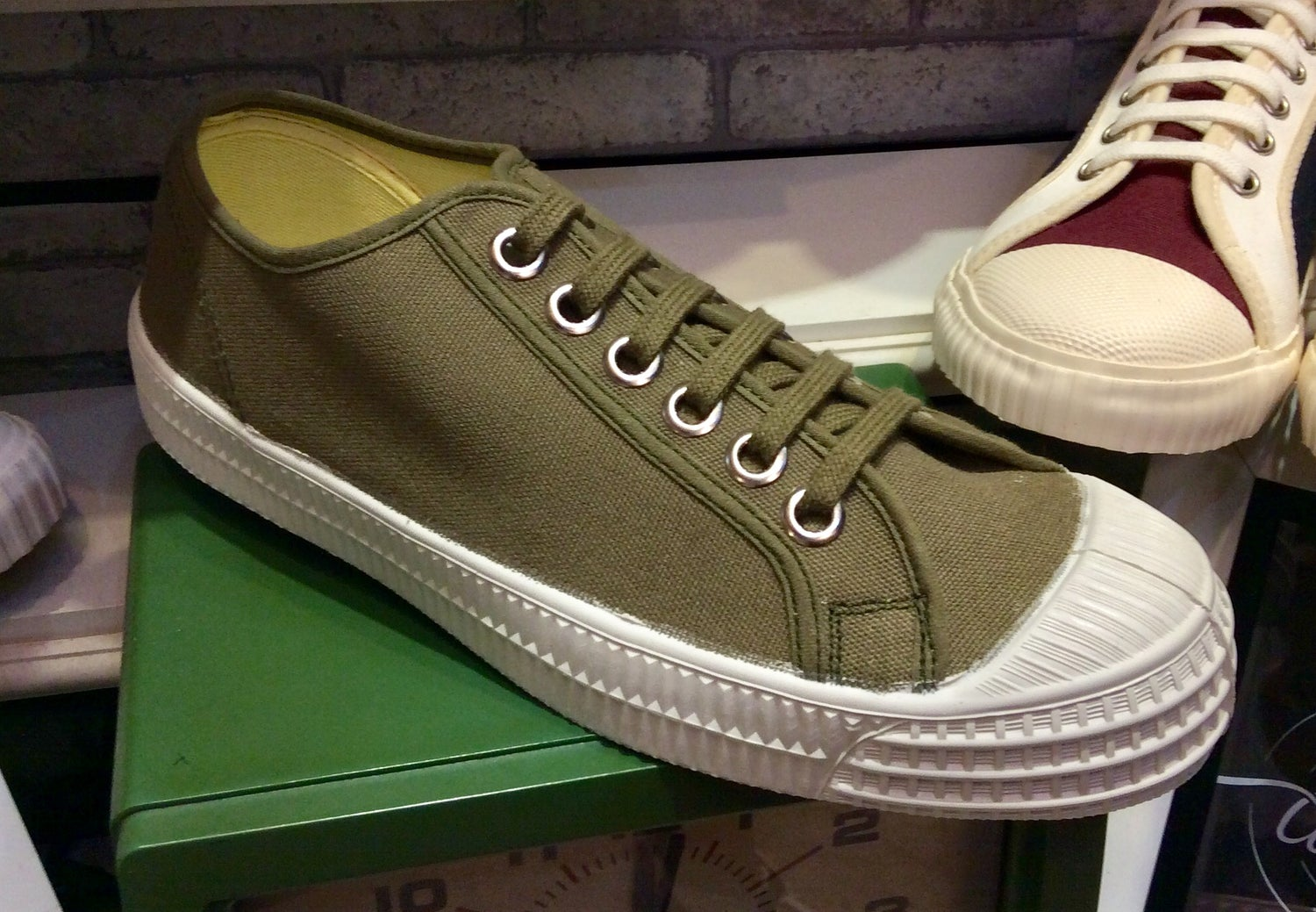 Image of Novesta master canvas losneaker shoes made in Slovakia