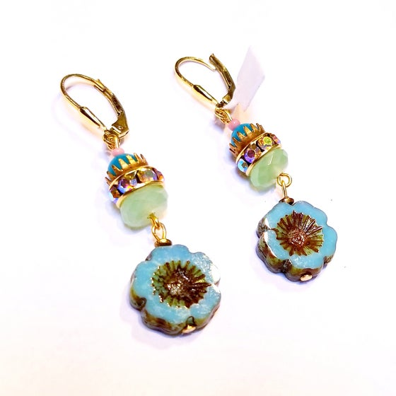 Image of Vintage Flower Gemstone Earrings