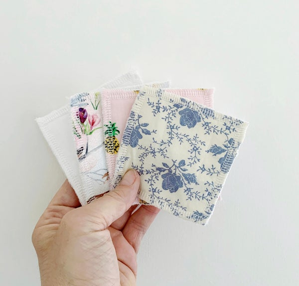 Image of Mini-pack of 4 reusable wipes
