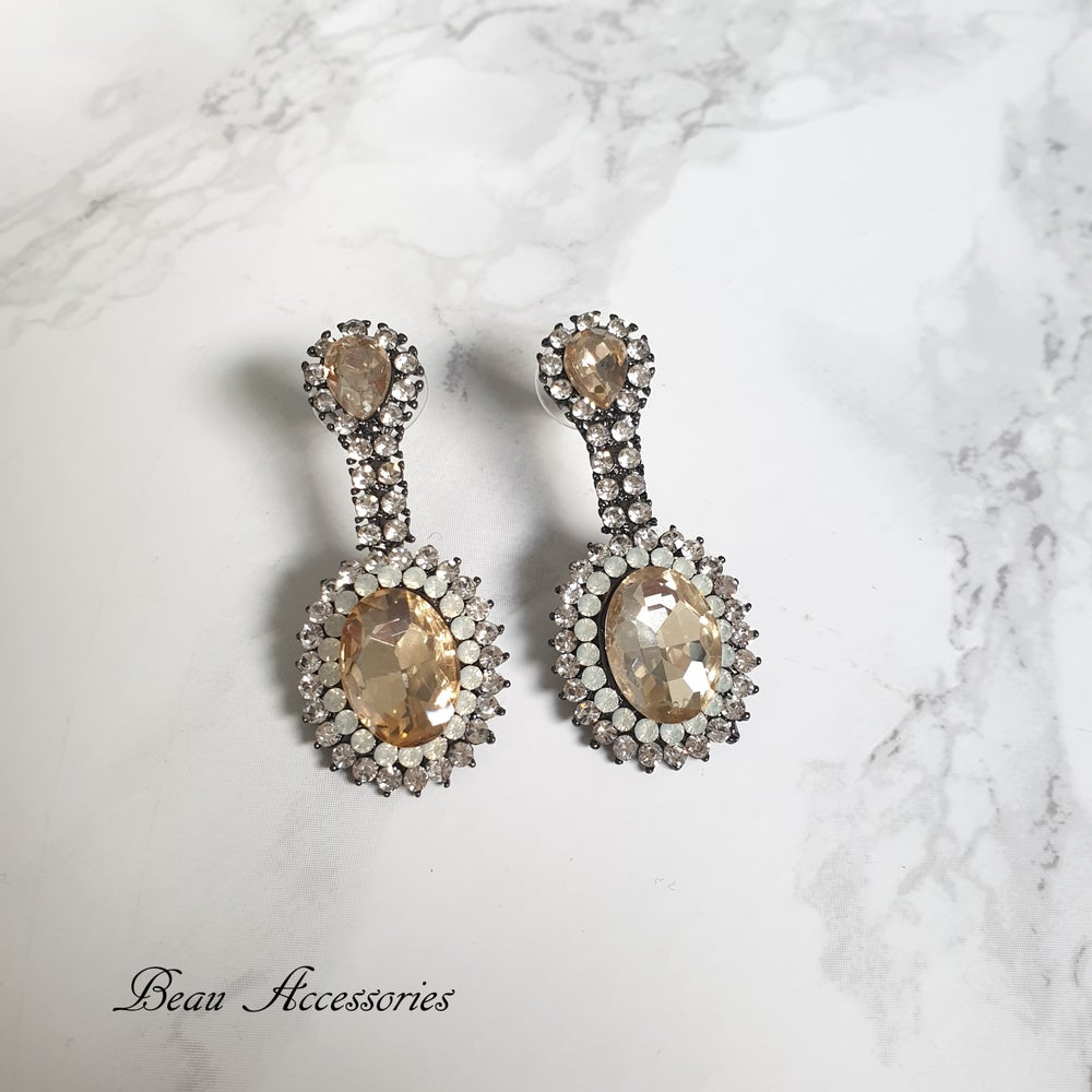 Image of Golden Droplet Earrings
