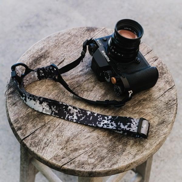 Image of The minimalist adjustable shoulder strap (1 inch webbing)