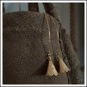 Image of Gold Flower Bell Pins