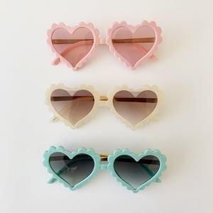 Image of Scallop Edge Heart Sunnies