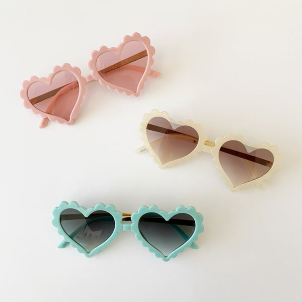 Image of Scallop Edge Heart Sunnies