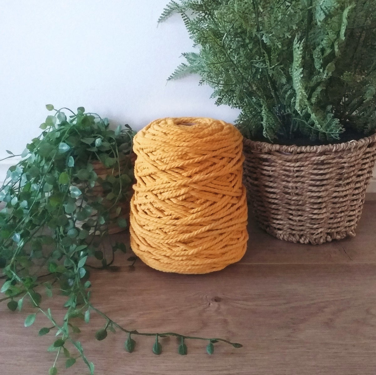Image of 1kg Mandarine 3ply Rope