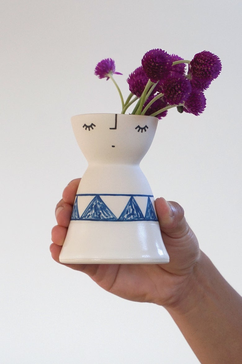 Image of Little Miss Alpine – ceramic vase peep