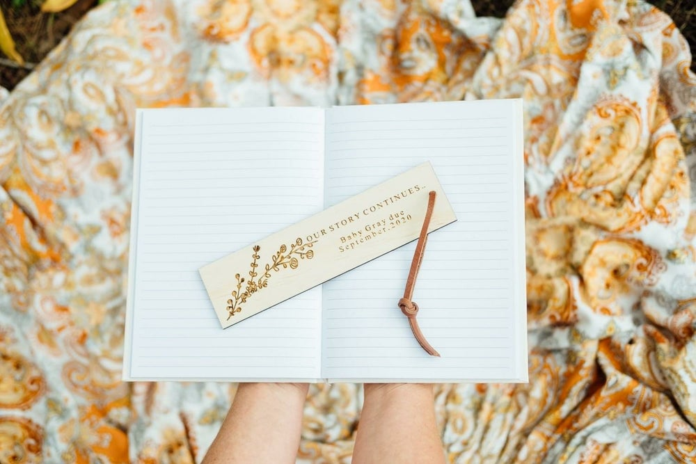 Image of PREGNANCY ANNOUNCEMENT BOOK MARK