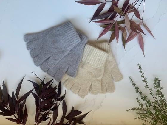 Image of Luxury Possum Fingerless Gloves