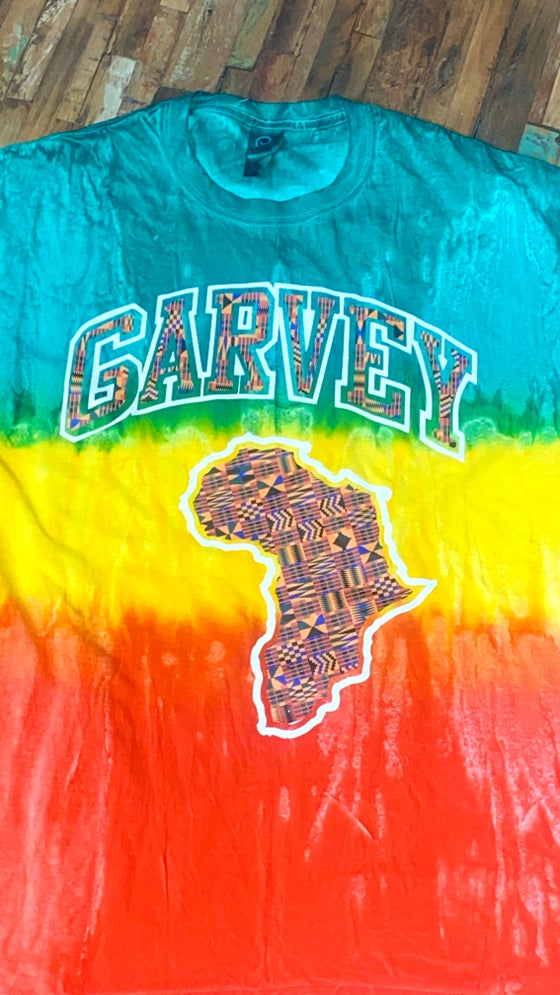 Image of GARVEY RGG KENTE WHITE GLITTER TSHIRT