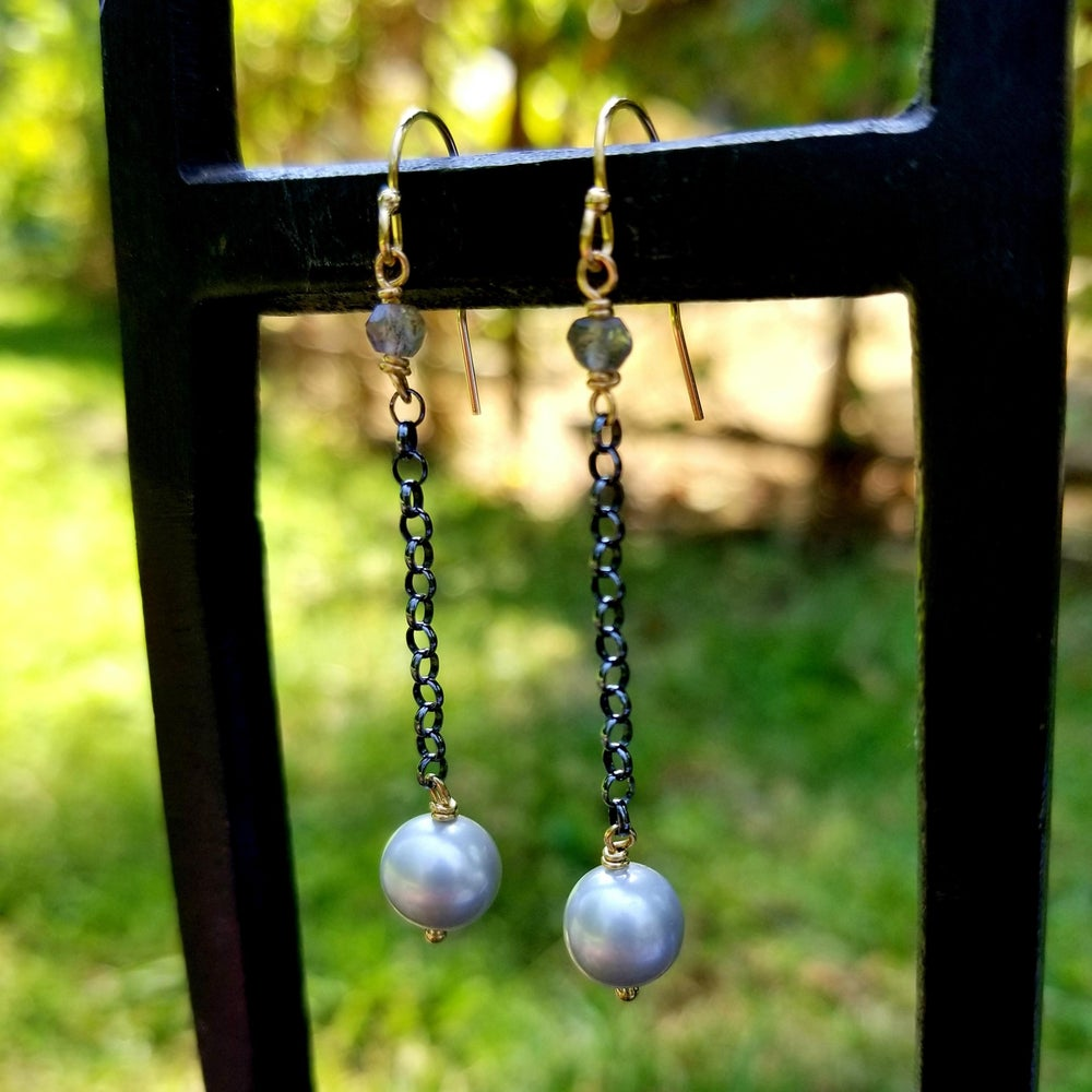 Image of Gray Pearl and Labradorite Oxidized Sterling Chain Earrings