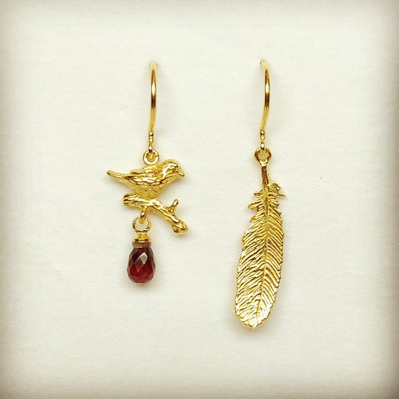 Beeld van Bird/feather earrings