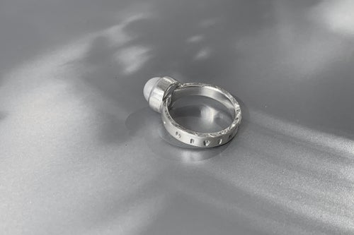 """Image of """"Inspiration"""" silver ring with pearl  · DIVINATIO ·"""