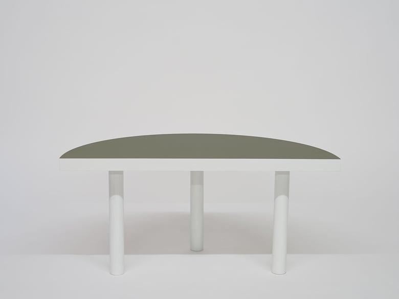 Image of B4 Beistelltisch olive