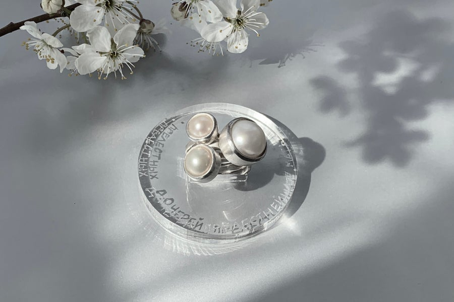 "Image of ""A mother more beautiful.."" silver rings with pearls · FILIIS PULCHRIS.. ·"