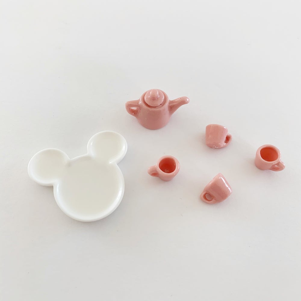 Image of Dollhouse Dishes