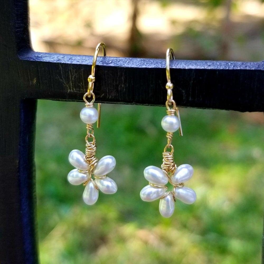 Image of White Pearl Flower Earrings