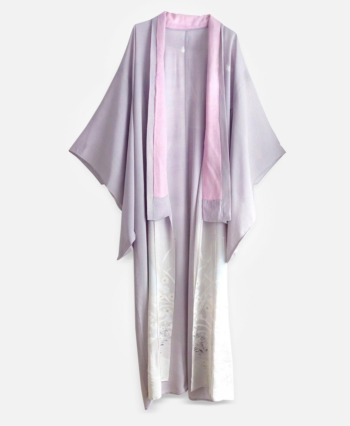 Image of Silke kimono i lys violet med småblomster