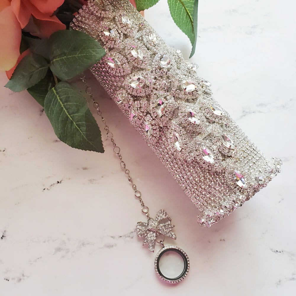 "Image of ""Kashmere"" Full Bling Bouquet Holder"
