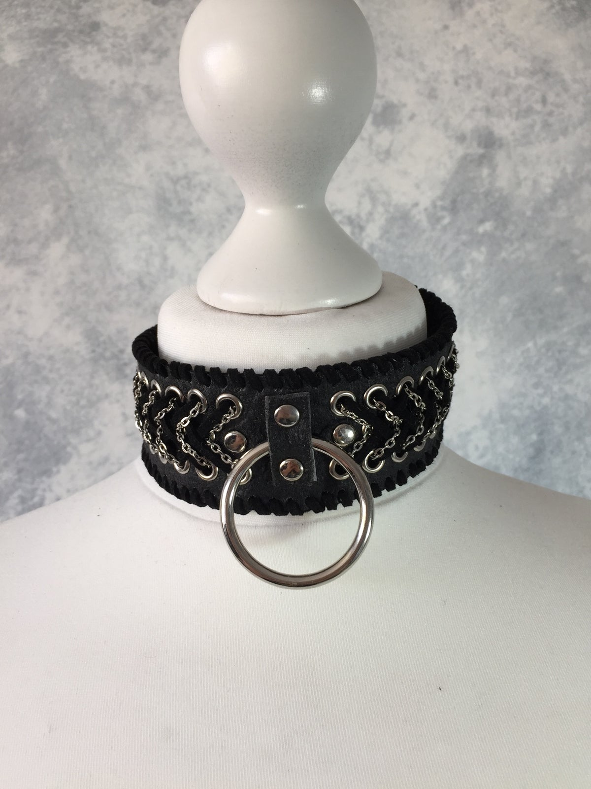 Image of Black braided o-ring collar