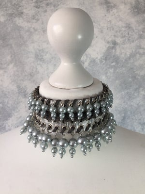Image of Thin collar with double pearls beads