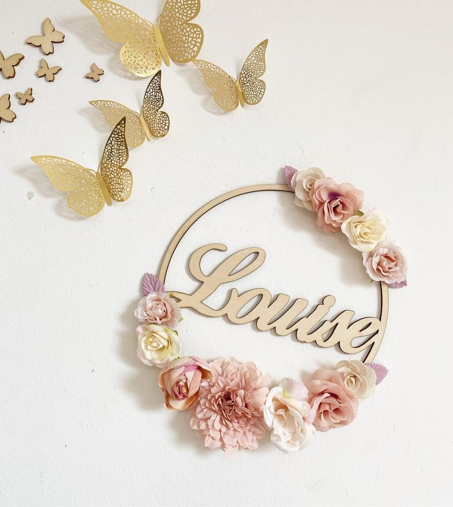 Image of Couronne fleurs prénom 20cm