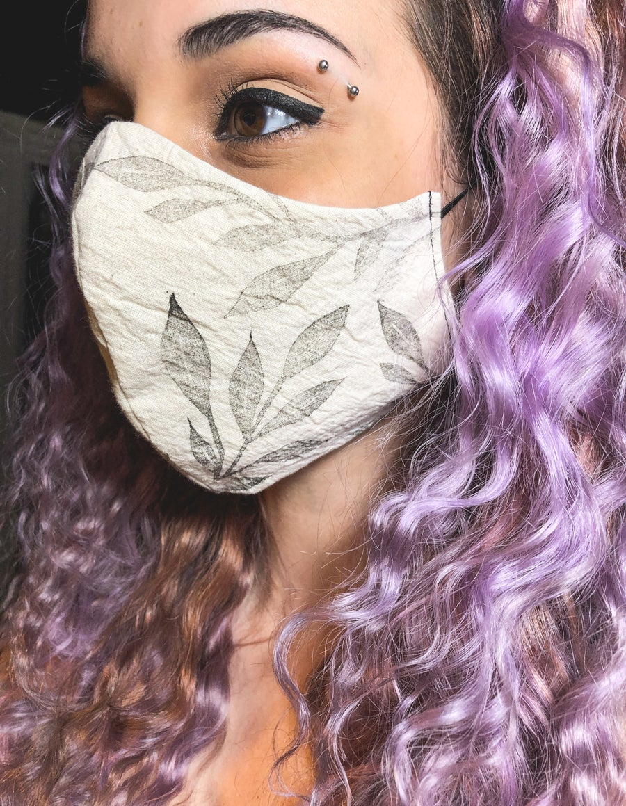 Image of Flowing Leaves Face Mask   Faded Unbleached