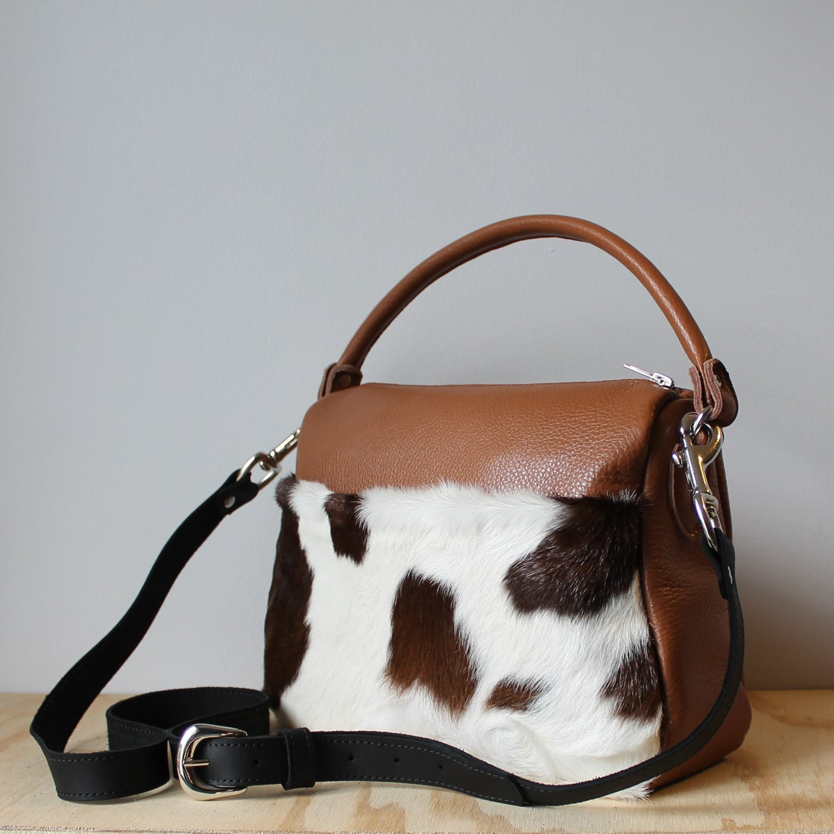 Runabout in Caramel Cow Hide